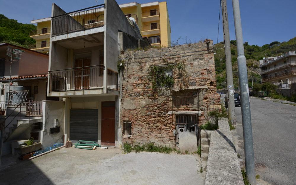 Messina Cataratti Rudere indipendente